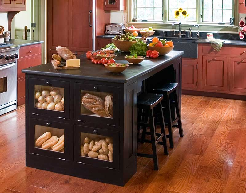 How to utilize your kitchen island for great entertaining!